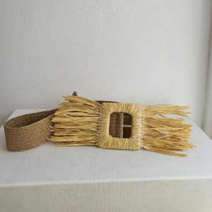 Woven elastic raffia belt womens , very original and handmade pieces. The perfect accessory to give your look a very different touch.